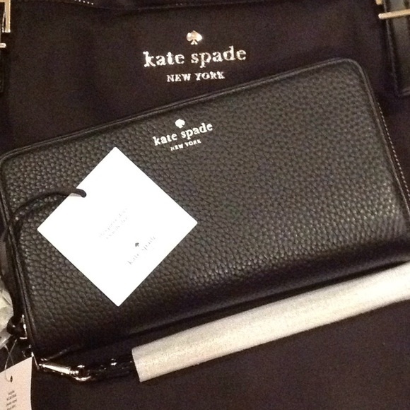 kate spade Handbags - Today only🌟Kate Spade Brigitta Chester St Wallet